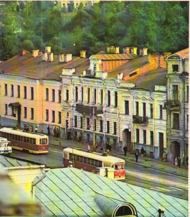 Здание фармацевтического факультета, 1980-е годы. Окна с широким балконом – лекционная аудитория. Фото из группы «Таямніцы Віцебска»