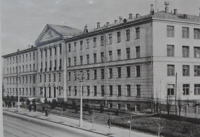 Учебный корпус фармацевтического факультета с 1983 года. Фото из архива музея Витебского государственного медицинского университета