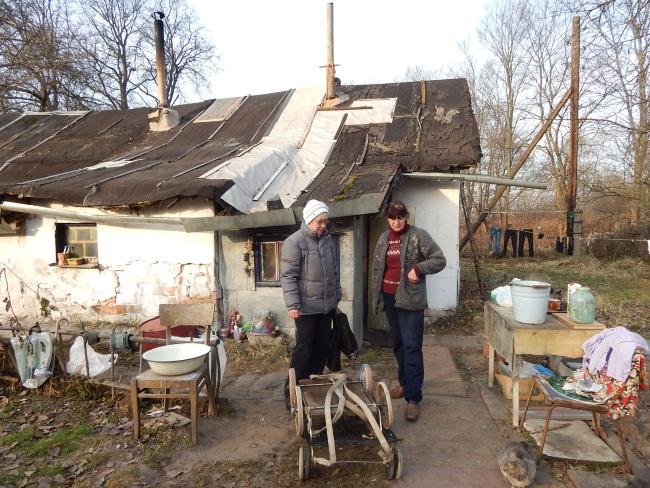 Надежда Рогачева (на фото справа)