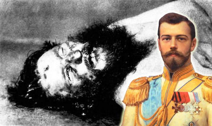 Император Николай ІІ на фоне трупа Распутина (фамилия при рождении - Новых)