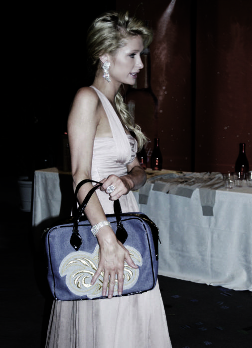 Пэрис Хилтон с сумкой Маша Кежа