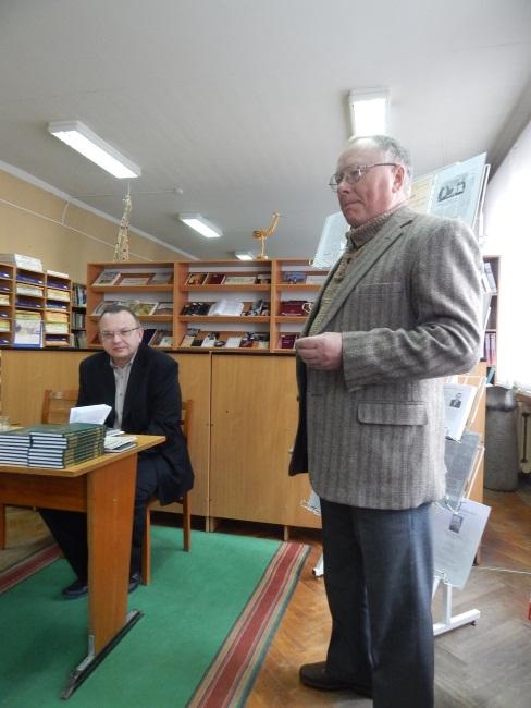 Преподаватель Лапин гордится своим студентом.