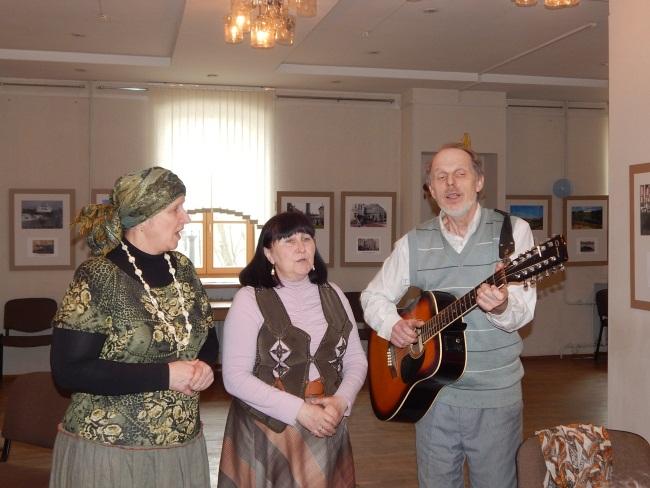 Музыканты группы Ковчег выступают перед витебчанами.