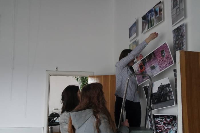 Нелегко организовывать собственную выставку!