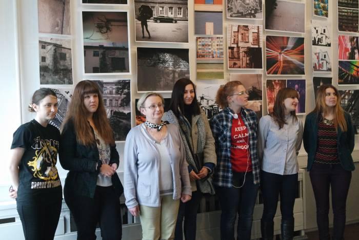 Студенты-авторы экспозиции с куратором  Н.И. Тарабуко