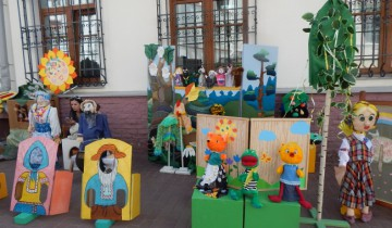 Сказочные персонажи из детского сада.