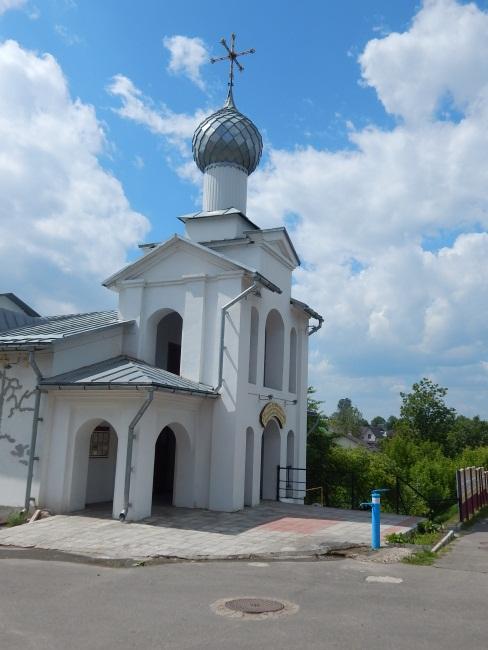 Храм Евфросинии Полоцкой на Ленинградской улице.