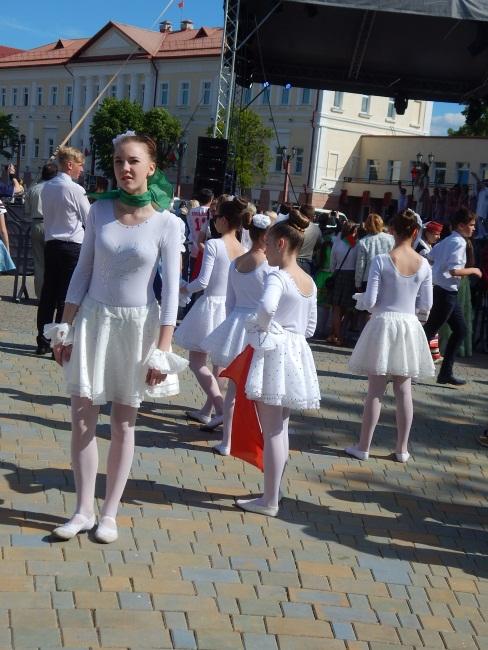А балерин во времена Евфросинии еще не было!