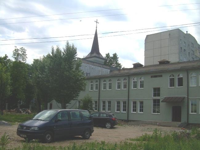 Костел Святого Антония на улице Гагарина.