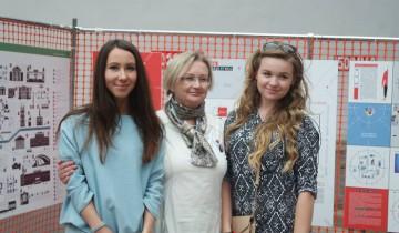 Куратор проектов Наталья Тарабуко с дизайнерами Оксаной Дулебенец и Русланой Ходько
