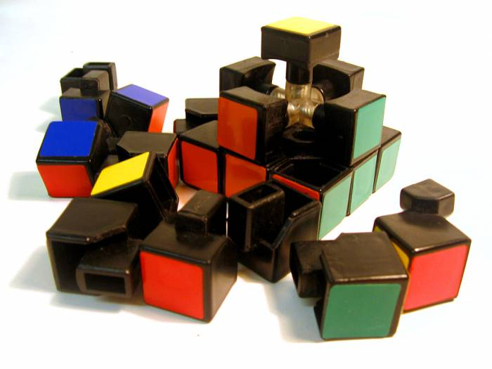 Disassembled-rubix-1 участника User Curis Под лицензией CC BY 2.5 с сайта Викисклада