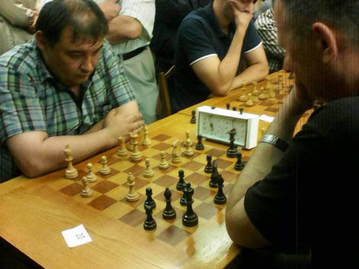 Минчанин Александров сумел в этой партии одолеть витеблянина Александра Камеко