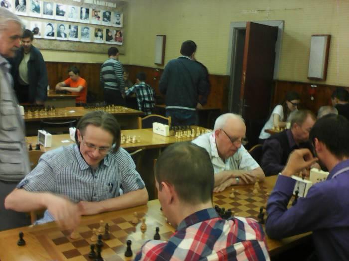 Витебские кандидаты в мастера Андрей Милевич и Владимир Лаврик боролись до конца и в последнем туре