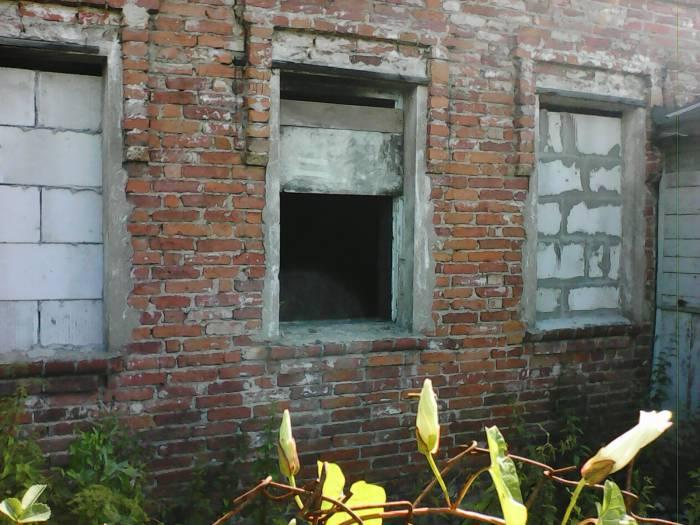 Открыты не только окна - но и двери...