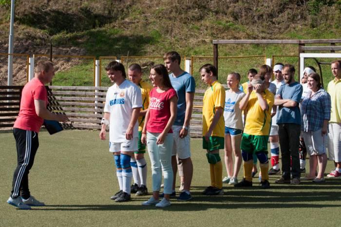 Олег Кириллов - крайний слева