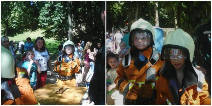 А за этим столиком соревновались мальчишки - кто быстрей наденет на себя защитный костюм спасателя?