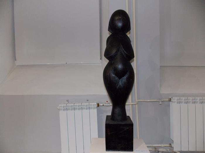 А. Чигиров. Женщина на кубе. 2010 г.