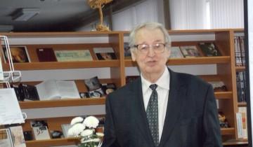 Уладзімір Папковіч на святкаванні свайго юбілею ў Віцебскай абласной бібліятэкі
