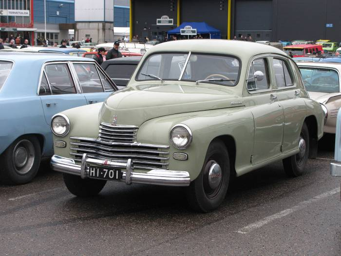 легендарный советский легковой автомобильGAZ-M-20_'Pobeda'_on_CMSh_in_Lahti,_Finland