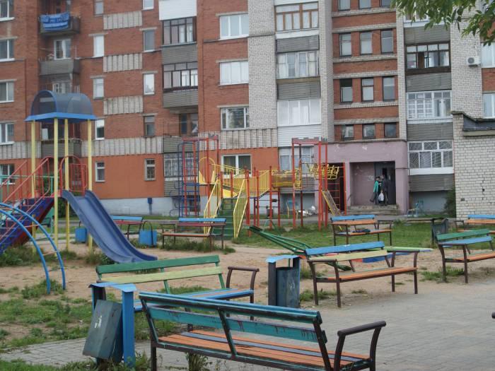 Детская площадка – удовлетворительно