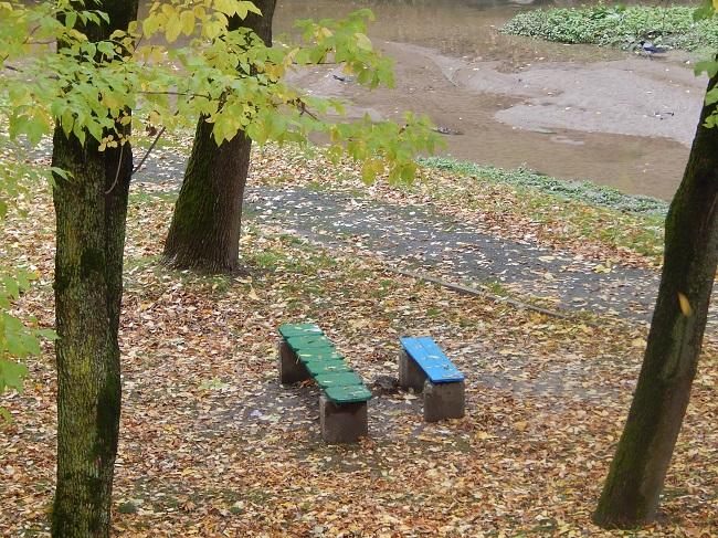 В парке Фрунзе лавочки остались прежними