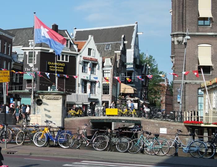 Веложизнь в Амстердаме