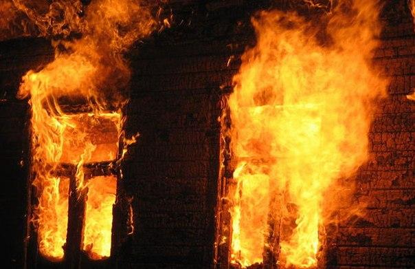 На пожаре гибнет огромное количество людей. Фото izkon.ru