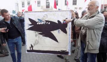 Алесь Марачкін на сходзе за свабоду і супраць з'яўлення расейскіх вайсковых базаў