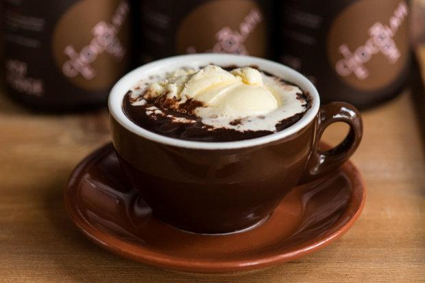 Чашка шоколада согреет в холода. Фото cat-cat.uol.ua