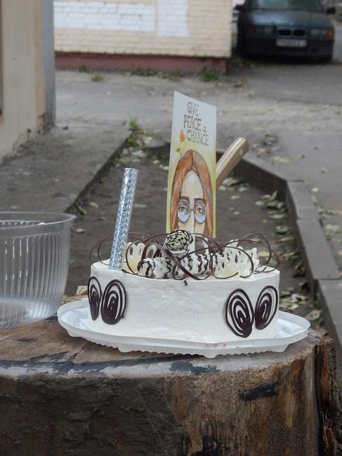 Именинный торт с портретом биттла