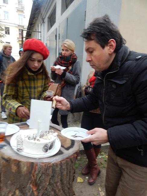 Кому вкусный торт?