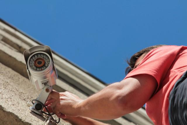 Сегодня преступления раскрывают видеокамеры. Фото arze.ru