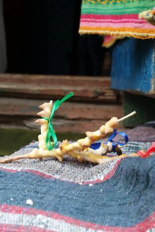 Веточки каравая традиционно украшались лентами и сладостями