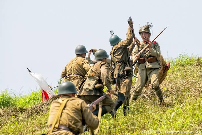 Историческая реконструкция боя на Заозерной. Источник:zema.ru