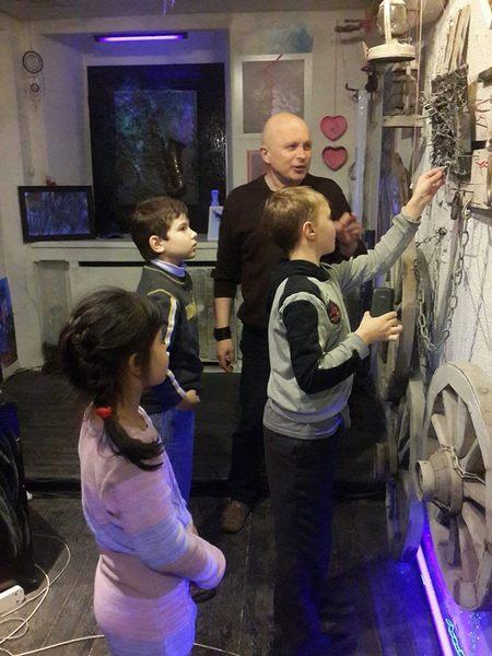 Маленькие зрители проявляют явный интерес к содержанию мистического искусства