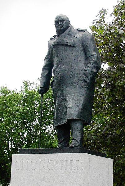Памятник Черчиллю. Источник:nobeliat.ru