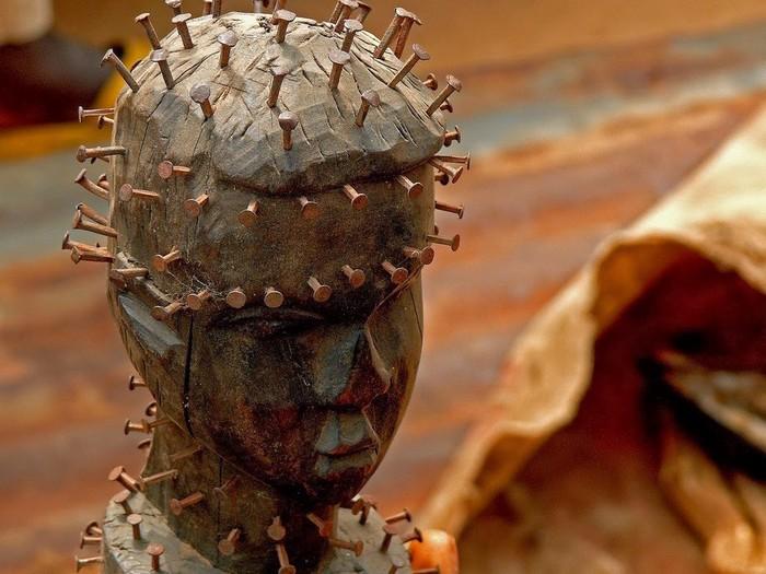 Статуэтка Вуду. Того. Источник: http://kardiologn.livejournal.com/