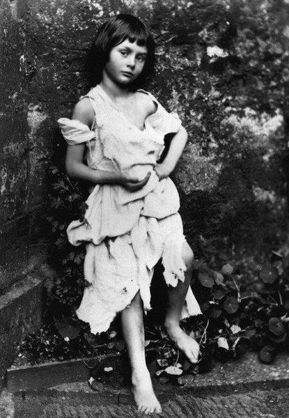 Алиса Лидделл в возрасте семи лет. Фото Льюиса Кэрролла