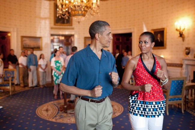 Супруги Обама поддерживают форму! Фото top-antropos.com