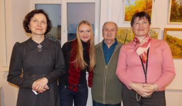 Феликс Кузнецов с сотрудниками Витебского художественного музея