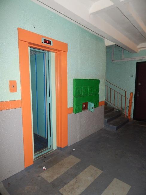 Лифт - излюбленное место маньяков