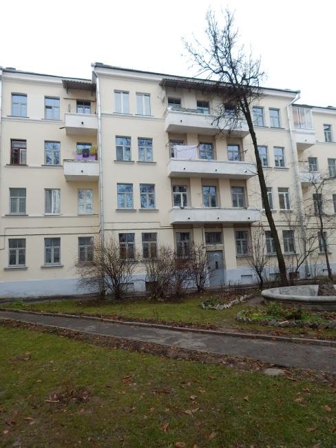 Коммунальные дома по улице Суворова