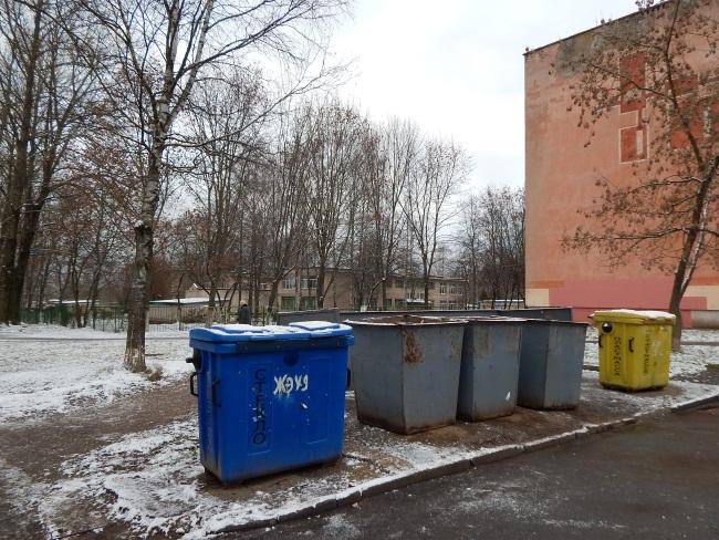 Раздельные контейнеры для отходов