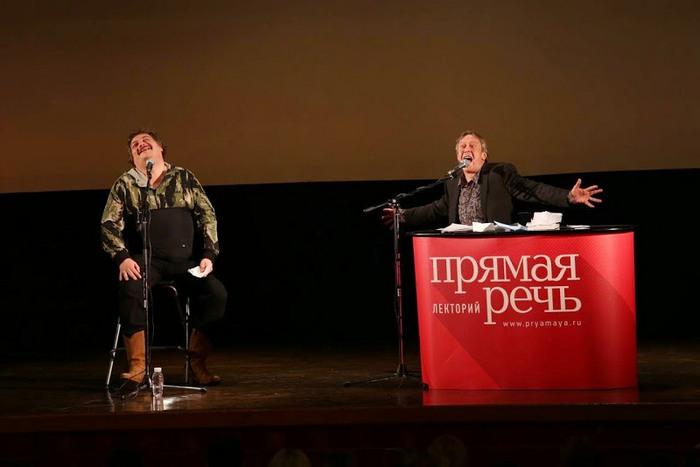 Михаил Ефремов с Дмитрием Быковым. Источник: http://ru-bykov.livejournal.com/