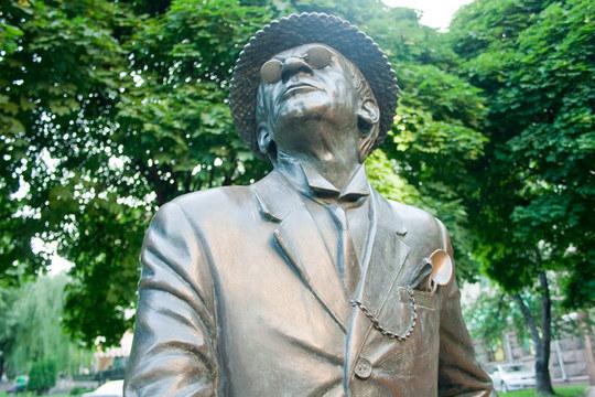 Памятник Паниковскому в Киеве.Источник:ua-travelling.com