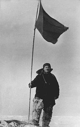 Папанин на Северном полюсе.Источник:wikimedia.org