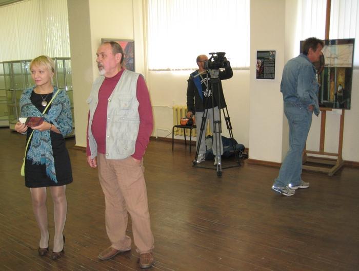 Процесс подготовки к открытию выставки в Череповце