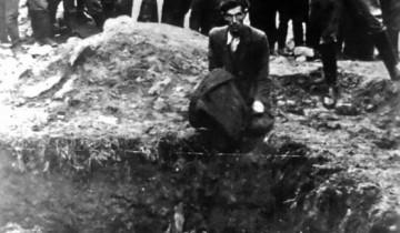 расстрел евреев Источник:      photochronograph.ru