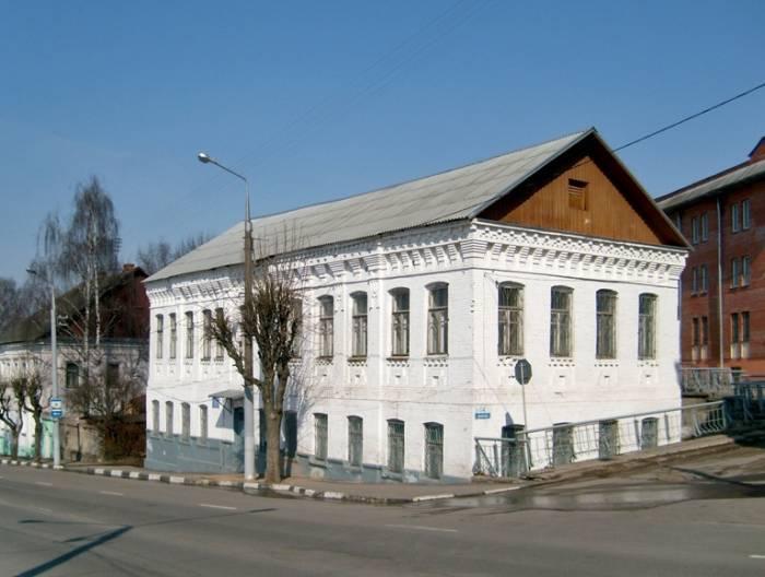 Дом №14 на ул.Калинина,вид с южной стороны, апрель 2011