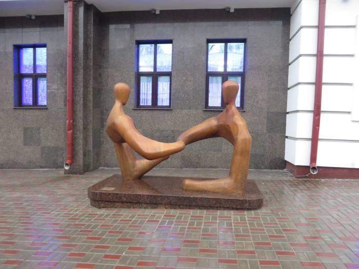 Скульптура «Диалог» в Витебске